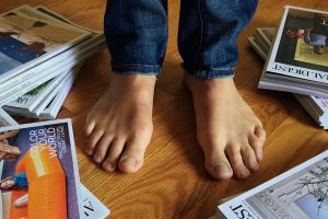 Descubre el beneficio de caminar descalzos todos los días